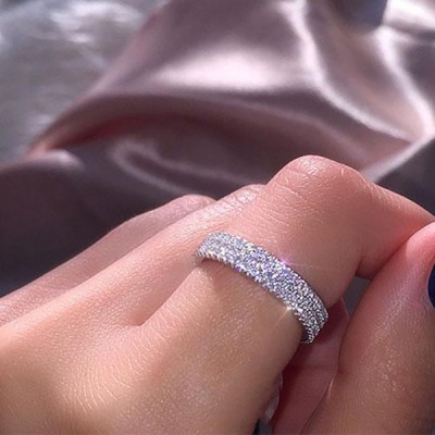Round Cut White Sapphire 925 Sterling Silver Women's Wedding Band