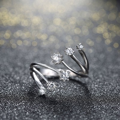 Elegant Round Cut White Sapphire S925 Silver Promise Rings