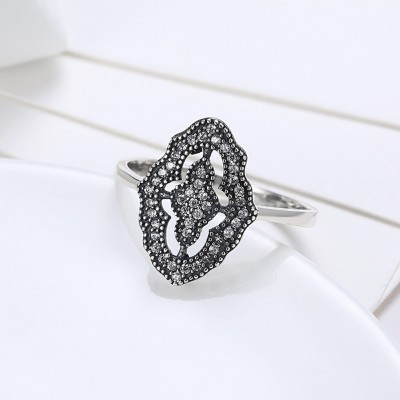 Lovely Round Cut White Sapphire S925 Silver Promise Rings